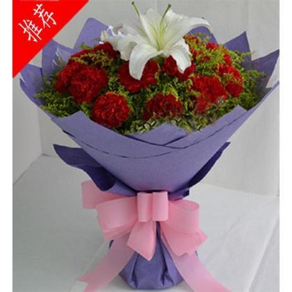 19朵顶级红色康乃馨,1朵顶级多头香水百合,黄莺丰满