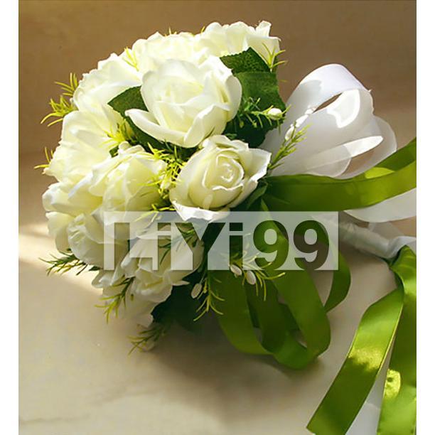 白绿色带包扎婚礼手捧花一束