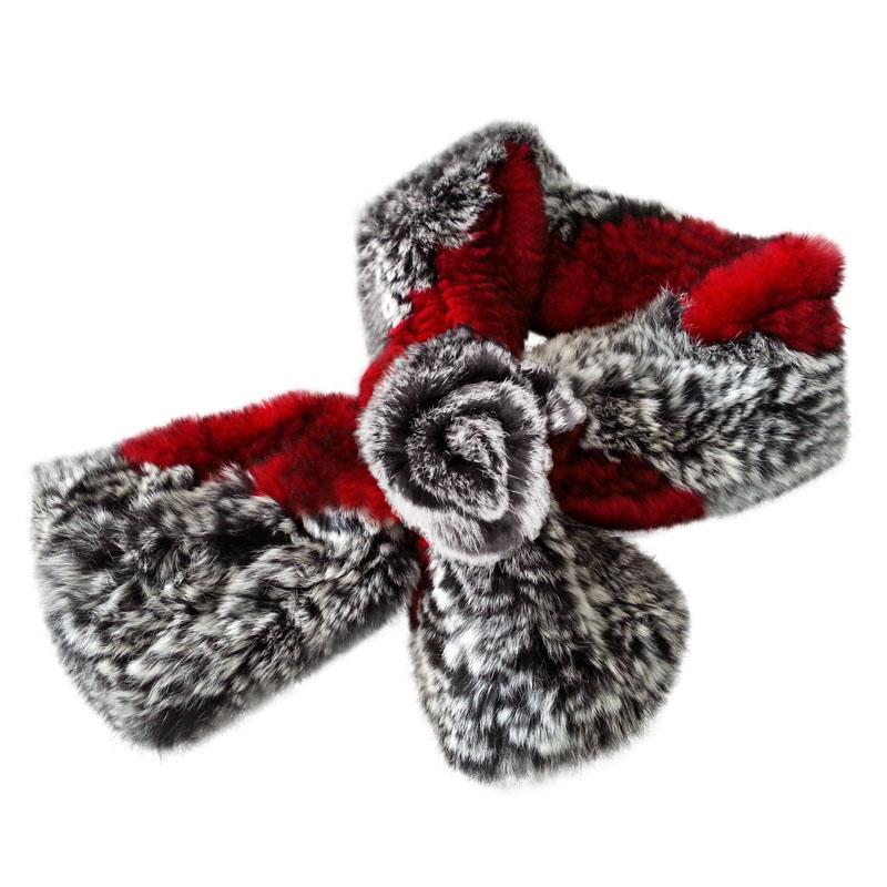 红,灰色三朵花兔毛围巾一条